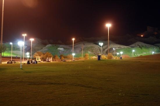 Nov 14 02_Mubazzarah Park-061