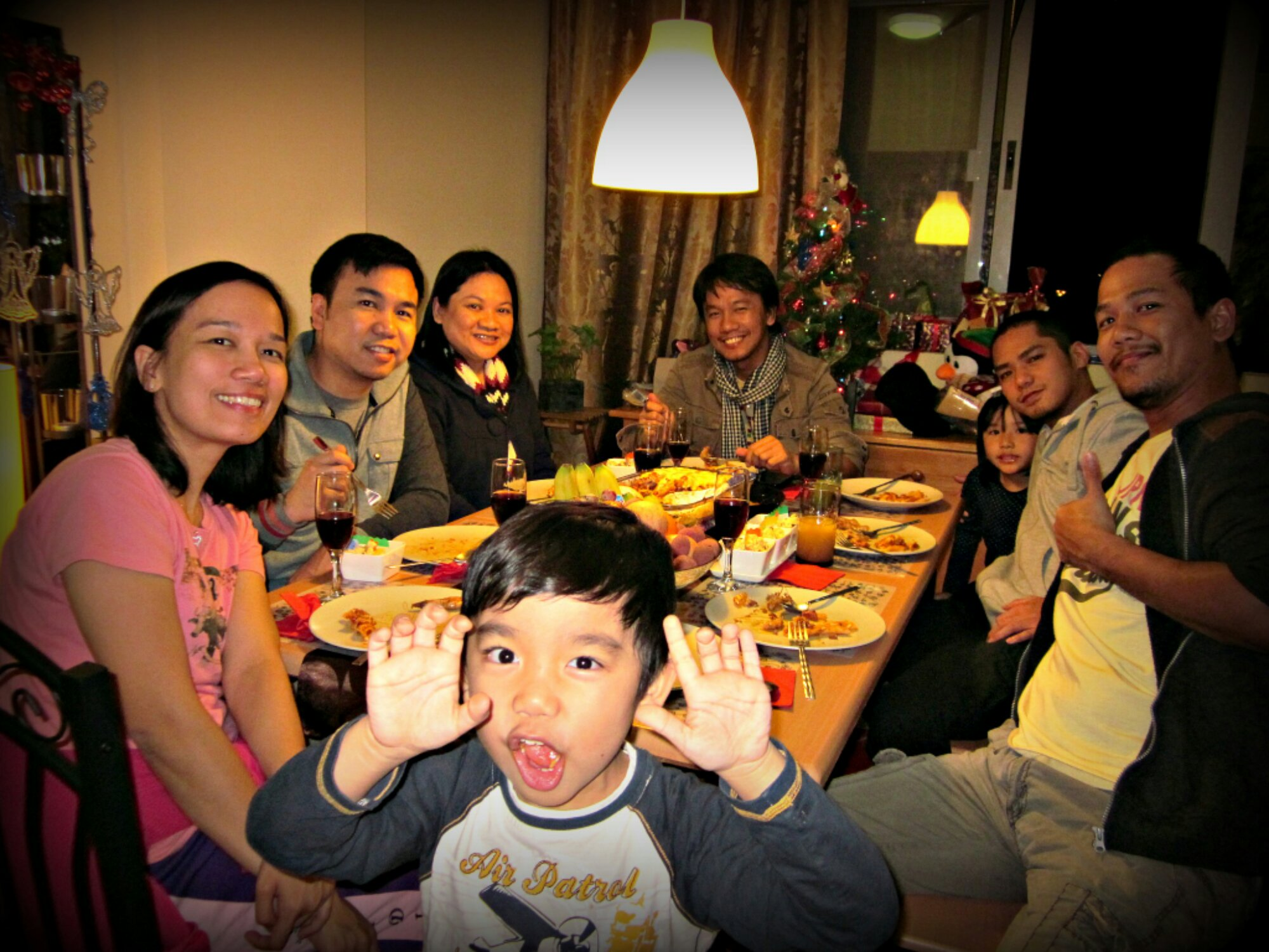 15++ Family New Year In The Philippines