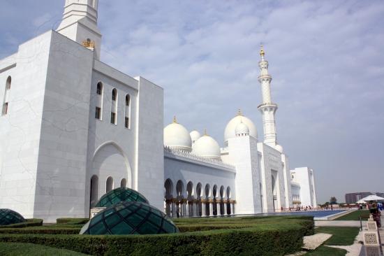 Nov 17 01_Grand Mosque-041