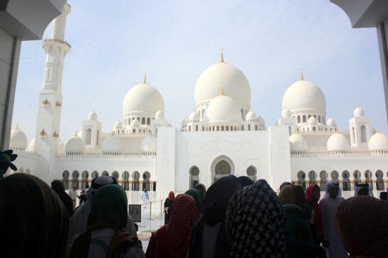 Nov 17 01_Grand Mosque-054